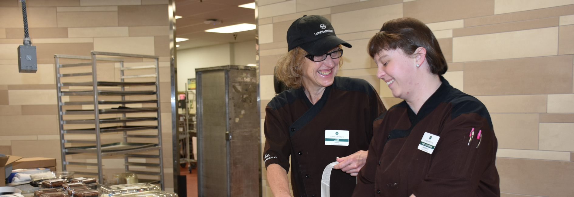 Local 663 Jane Moodie with Bakery Manager Riise Gundersen Local 22 LB Eden Prairie PT Mod healthcare slider crop.JPG